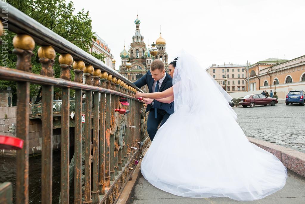 Фото замков которые вешают на свадьбе